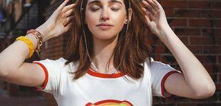 Post de La prenda que necesitas para ser cool en la cuarentena es esta camiseta arcoíris