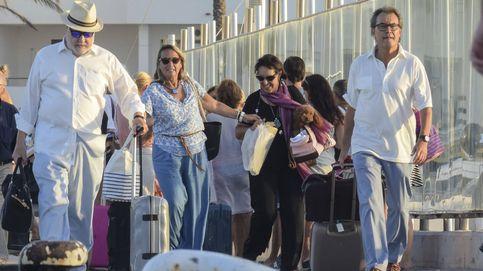 Jet privado y yate de 16 metros: el fin de semana a todo trapo de Artur Mas en Formentera