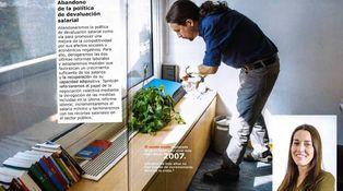 ¿Qué hace Pablo Iglesias con los ejemplares de 'El Mundo'?
