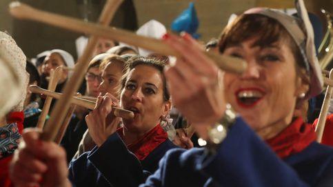 El alcalde de San Sebastián pone fin a 30 años de ausencia a la cena previa de la tamborrada