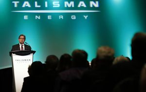 Repsol bajó un 40% el precio de Talisman por la caída del petróleo