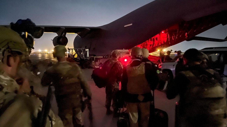 Evacuación del aeropuerto de Kabul por parte de EEUU. (Reuters)