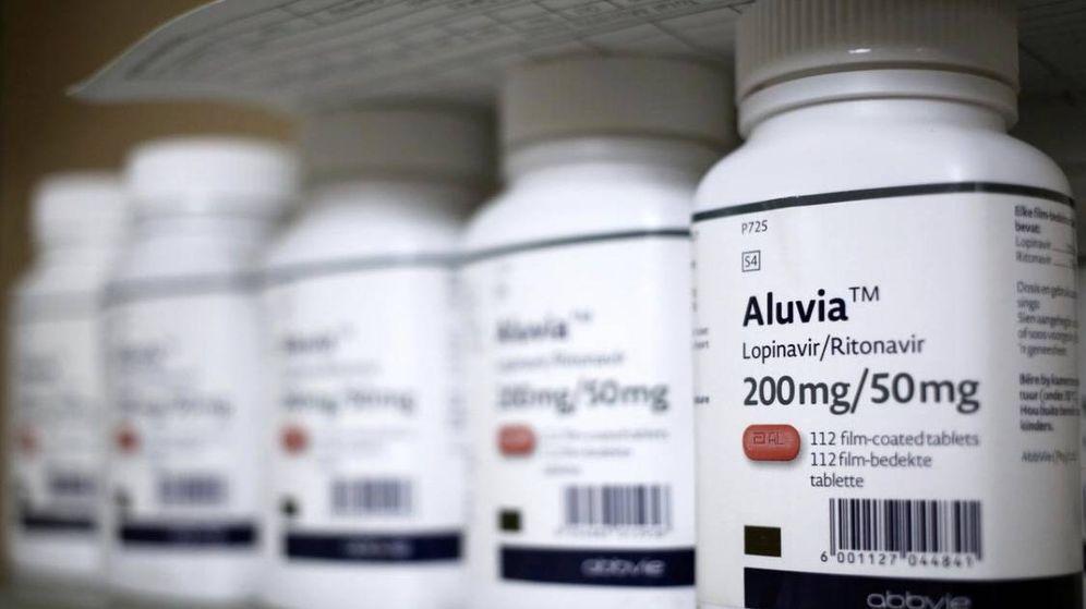 Foto: Botes de Lopinavir–Ritonavir, uno de los fármacos que se están testando. (Reuters)