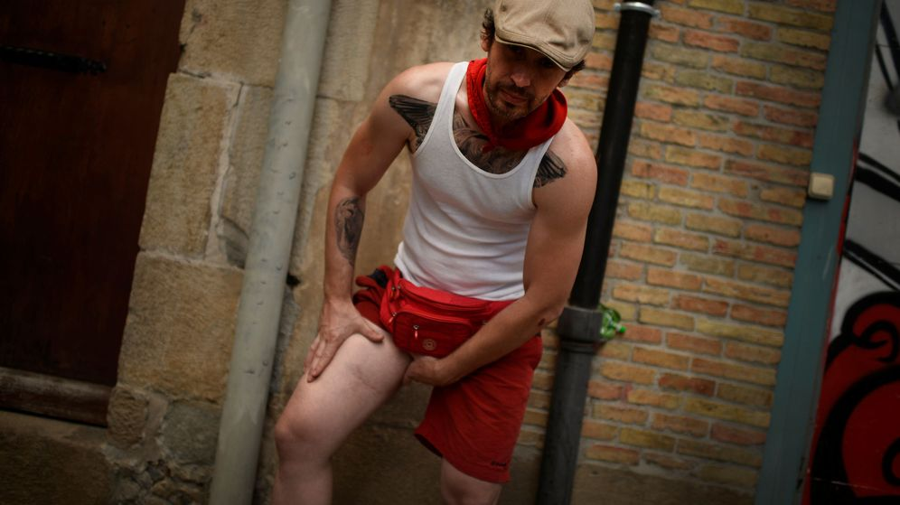 Foto: Bill Hillmann fue corneado en dos ocasiones durante los Sanfermines de Pamplona (Reuters)