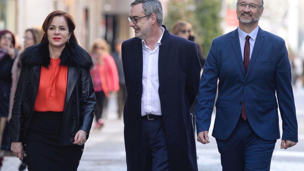 Foto: José Manuel Villegas, junto a Luis Fuentes. (EFE)