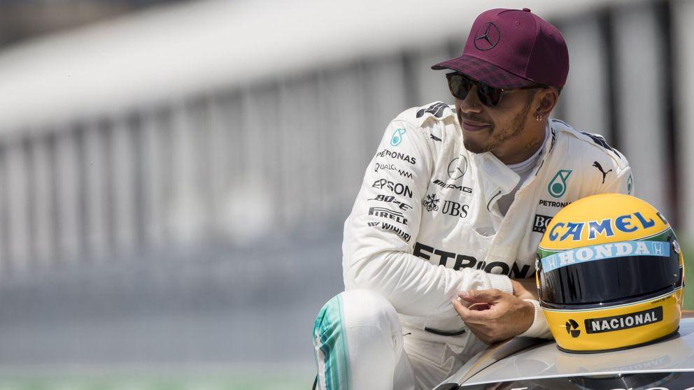 Hamilton, o poder vivir una sensación única con el casco de Senna en la mano