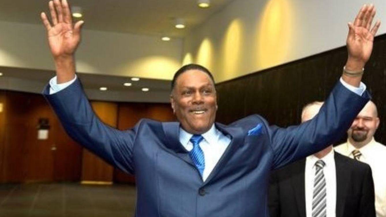 Un hombre que pasó 46 años en prisión por error recibirá 1,5 millones de dólares