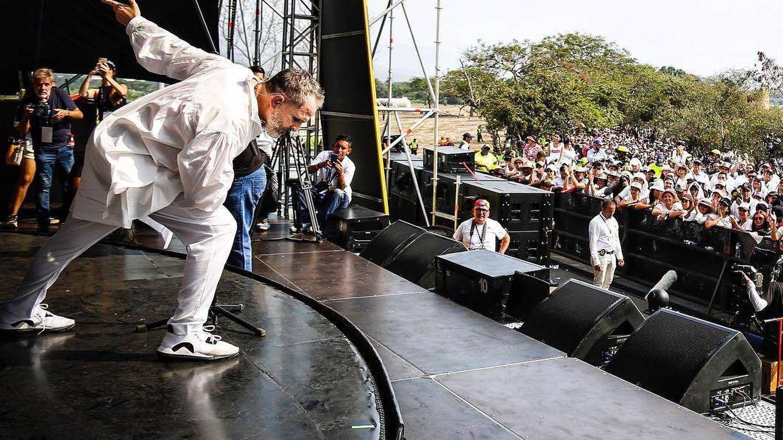 Miguel Bosé sobre el escenario (Instagram)