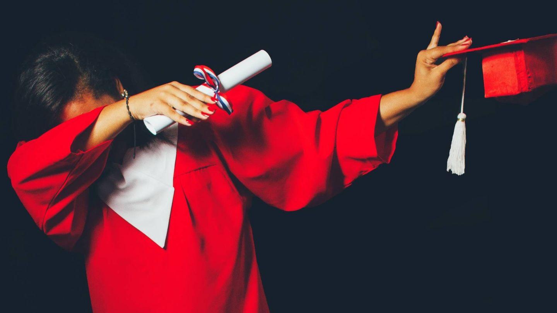 Los recién graduados deben resaltar su capacidad para trabajar en equipo. (Unsplash)
