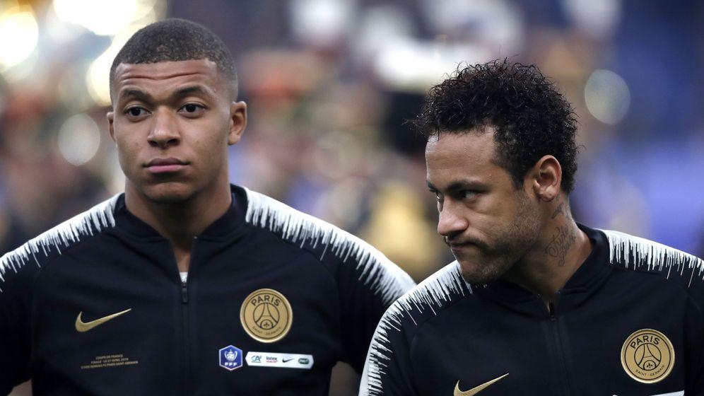 Foto: Kylian Mbappé y Neymar antes de la final de la Copa de Francia que perdió el Paris Saint Germain. (Reuters)