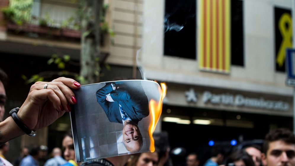 Foto: CDR queman fotos de Llarena