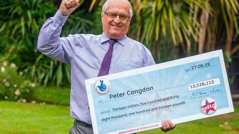 Gana la lotería y ayuda a una vecina a casarse tras posponer su boda cuatro veces