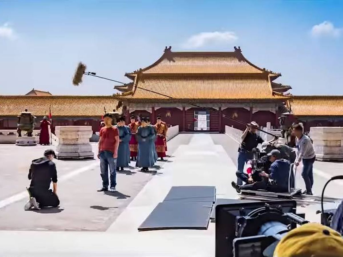 Foto: Rodaje en Hengdian World Studios. (Captura de Youtube)