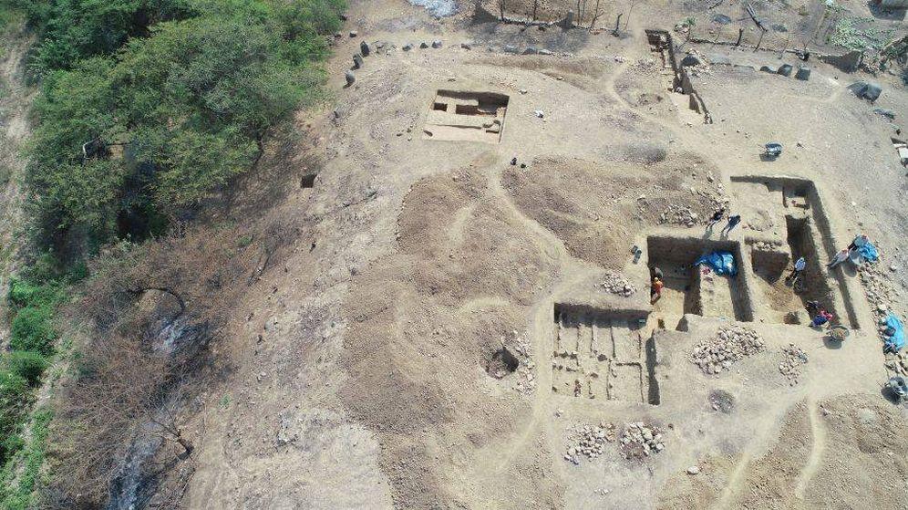 Foto: Imagen aérea del asentamiento descubierto. (Museo Tumbas Reales de Sipán)