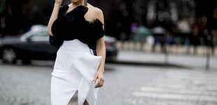 Post de Blanco y negro: el dúo vuelve a dominar el street style (esta vez por Navidad)
