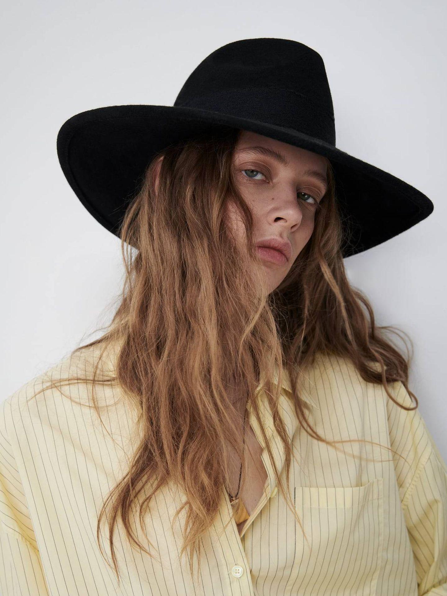 Sombrero fedora de Zara. (Cortesía)