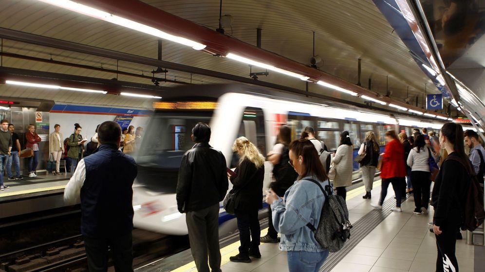 Resultado de imagen para metro madrid abuso