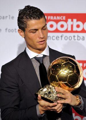 Cristiano Ronaldo ve a Messi, Xavi y Eto'o favoritos para el Balón de Oro