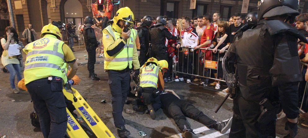 Foto: Los trabajadores sanitarios, bomberos, policías y militares son los más afectados por los horarios nocturnos. (Efe)