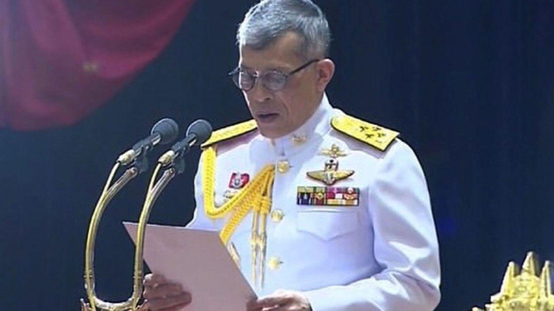 El rey de Tailandia, en pleno discurso. (Reuters)