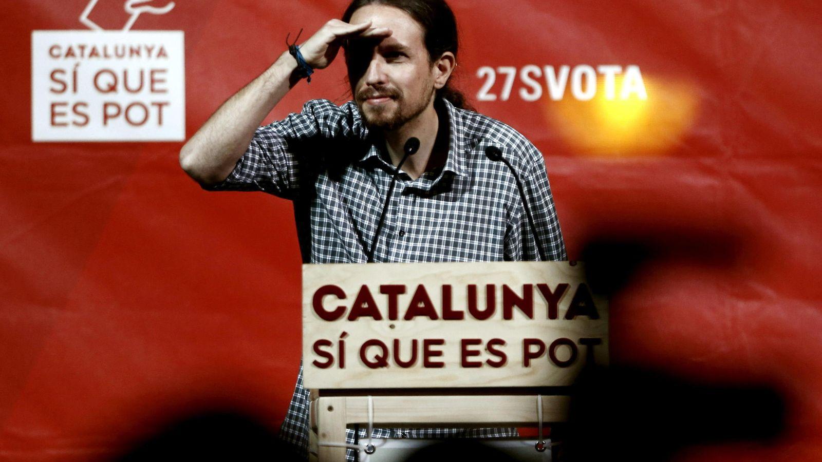 Foto: El secretario general de Podemos, Pablo Iglesias durante su intervencion en el mitin celebrado en Barcelona. (Efe)