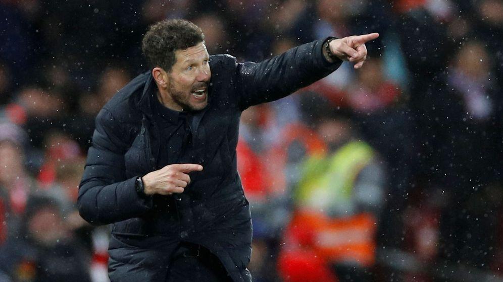 Foto: Simeone, durante la vuelta en Anfield contra el Liverpool. (Reuters)