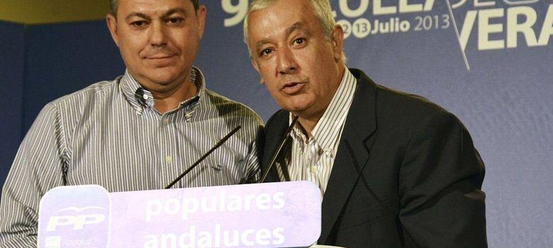 Foto: Javier Arenas junto a José Luis Sanz. (EFE)