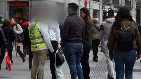 El oscuro negocio de los 'raspacupos' en la Puerta del Sol