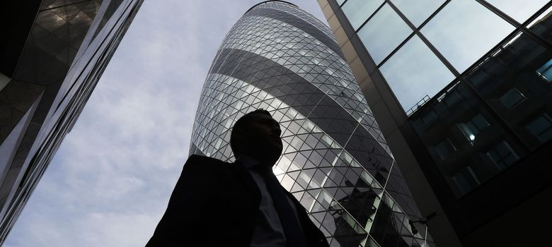 Foto: Un hombre de negocios en la City. (Reuters)