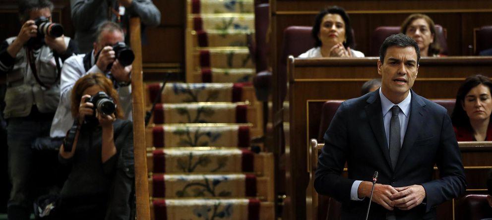 Foto: El líder del PSOE, Pedro Sánchez, durante la sesión de control (Reuters)