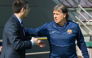 El Camp Nou toma la palabra con un equipo roto y un Tata superado