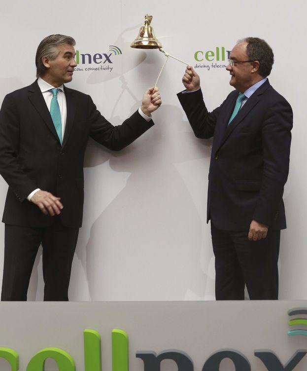 Foto: El presidente de Cellnex, Francisco Reynés, y el consejero delegado, Tobías Martínez