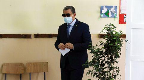 El primer ministro argelino presenta su dimisión y la del gabinete