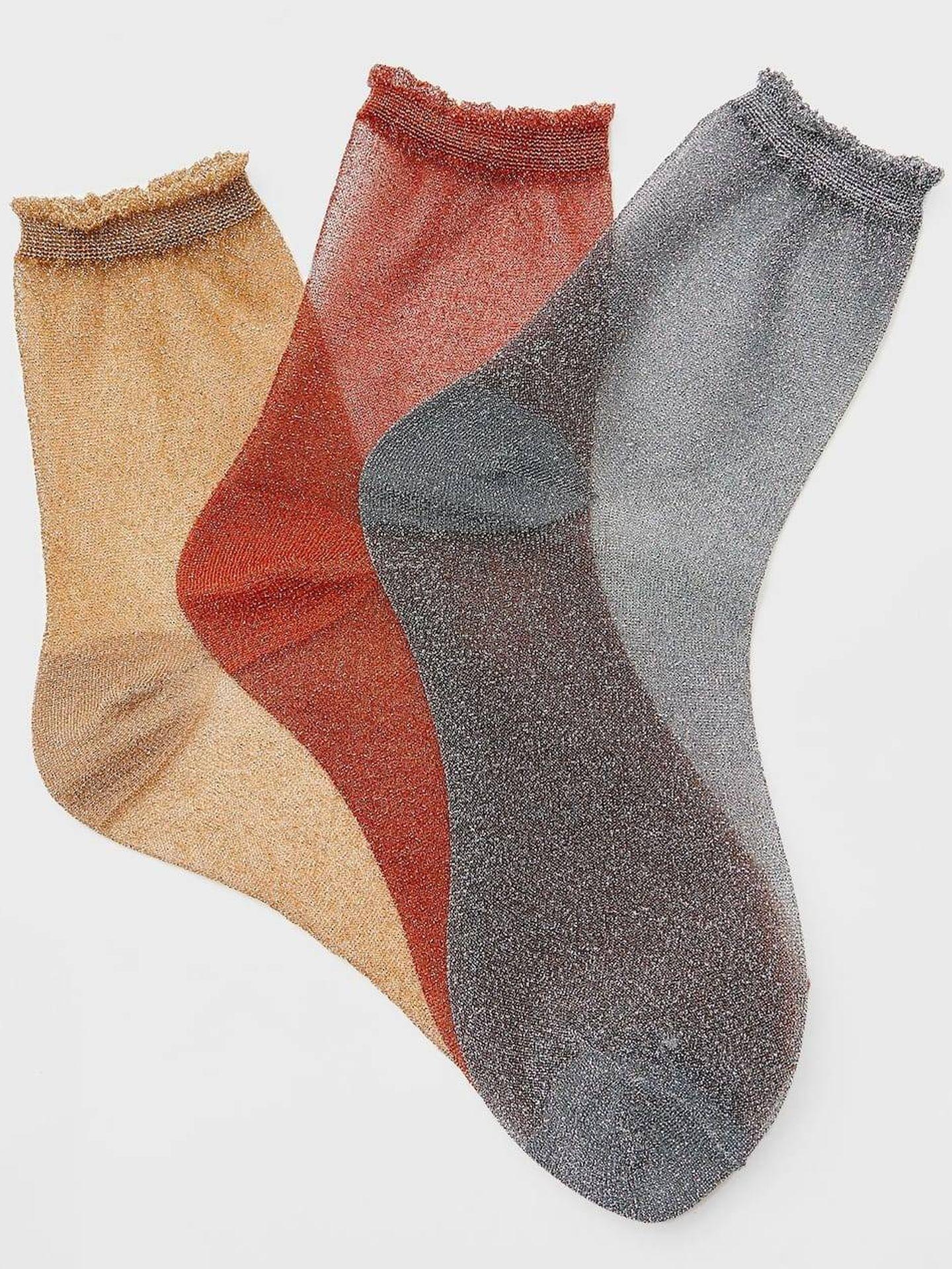 Calcetines bonitos de Stradivairus. (Cortesía)