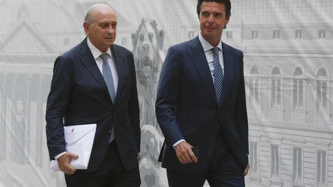 Fernández Díaz sale en defensa de Soria: Evidentemente yo confío en él