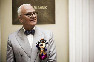 Foto: Manolo Blahnik, el indiscutible genio del zapato, dedica un modelo a España