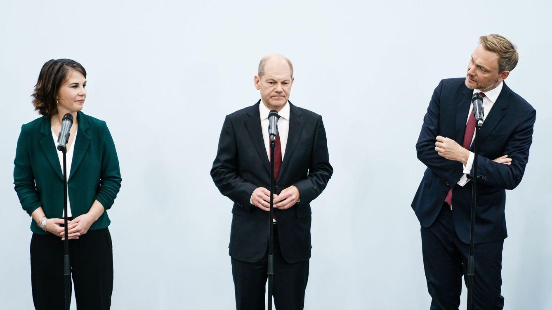 El SPD de Scholz aprueba negociar una coalición semáforo con verdes y liberales