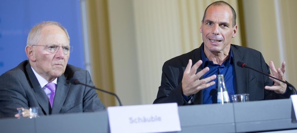 Foto: El ministro de Finanzas griego, Yanis Varufakis (R), y su homólogo alemán, Wolfgang Schäuble. (Gtres)