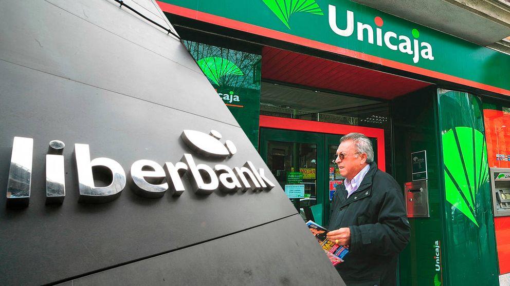 Liberbank celebra la ruptura en bolsa, mientras Unicaja se tiñe de rojo
