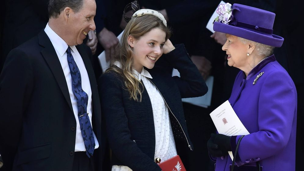 Foto: Margarita Armstrong-Jones, con la reina Isabel. (Getty)