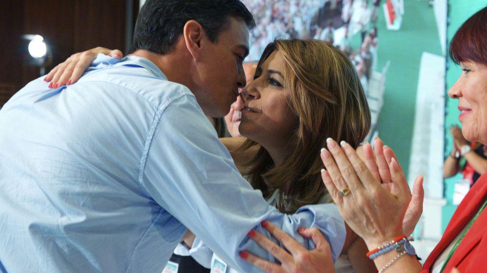 Foto: Saludo entre Pedro Sánchez y Susana Díaz. (EFE)