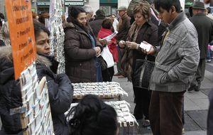 Lotería de Navidad 2014: Los británicos que viven en España compran más décimos que los propios españoles