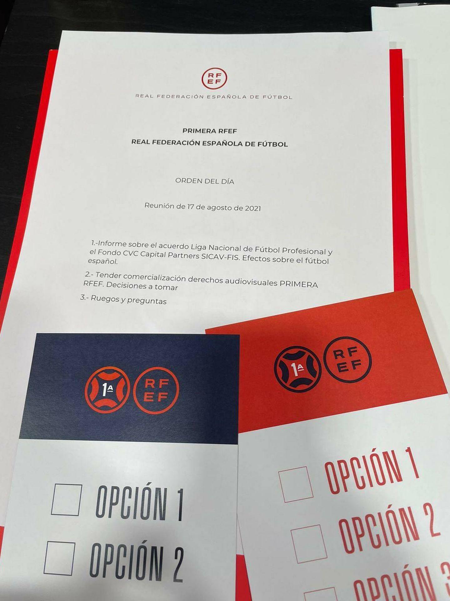 Papeleta que se entregó a los clubes de la Primera RFEF.