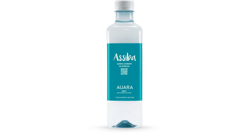 Foto: Auara es la única envasada en su totalidad en botellas elaboradas con PET 100% reciclado y que destina el 100% de sus dividendos a proyectos sociales.