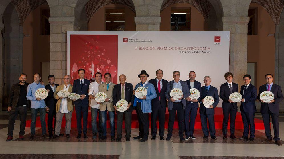 Foto: Foto de familia de los premiados.