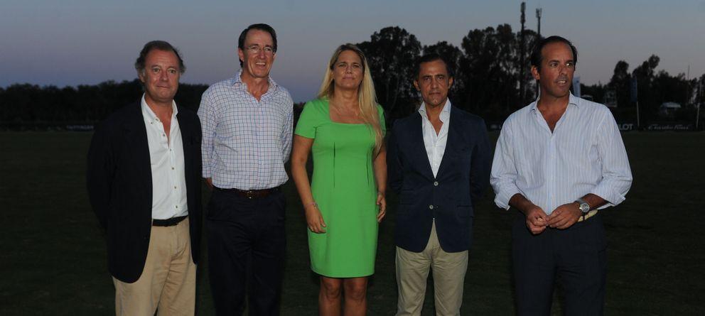 Foto: Luis Estrada (vicepresidente del Sta. María Polo Club), Mauricio González, Isabel Sartorius, Diego Copado (El Corte Inglés) y José Argudo (Tío Pepe)