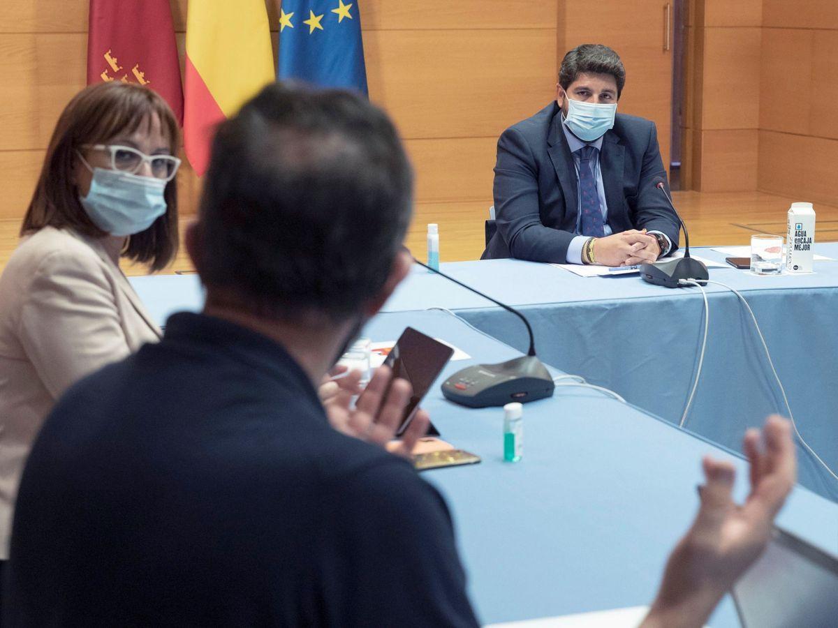 Foto: El presidente de la Comunidad de Murcia, Fernando López Miras (d), y la vicepresidenta Isabel Franco (i). (EFE)