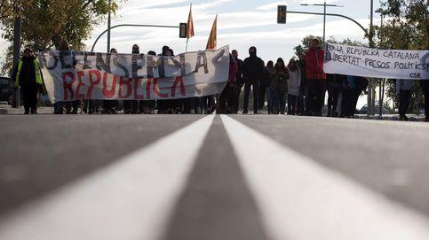 Cortes de tráfico, piquetes... La huelga general de Cataluña, en imágenes