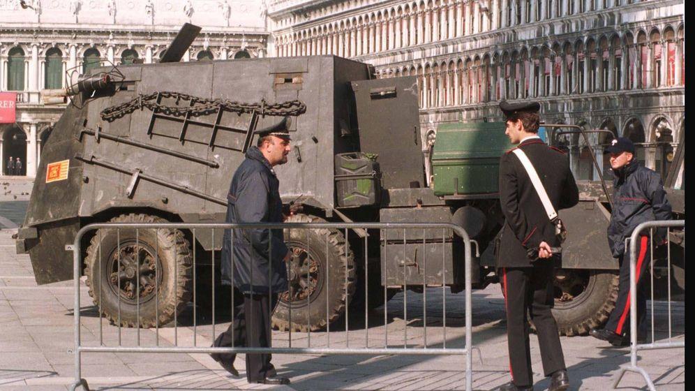 Foto: El 'tanko' con el que los padanos tomaron la Plaza de San Marcos en Venecia. (Archivo)