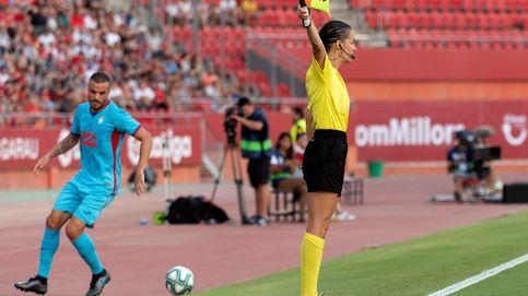 Guadalupe Porras, la primera árbitra de La Liga, se estrena como asistente del VAR